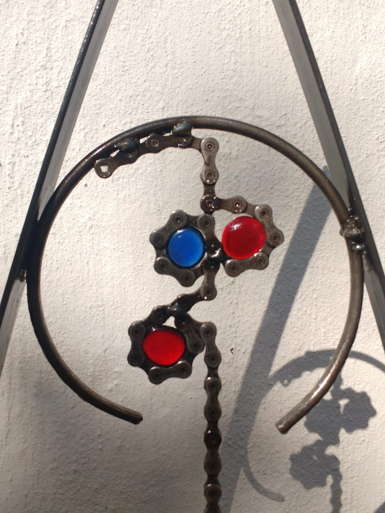 Bicyclette Fenetre Deux (Red & Blue)